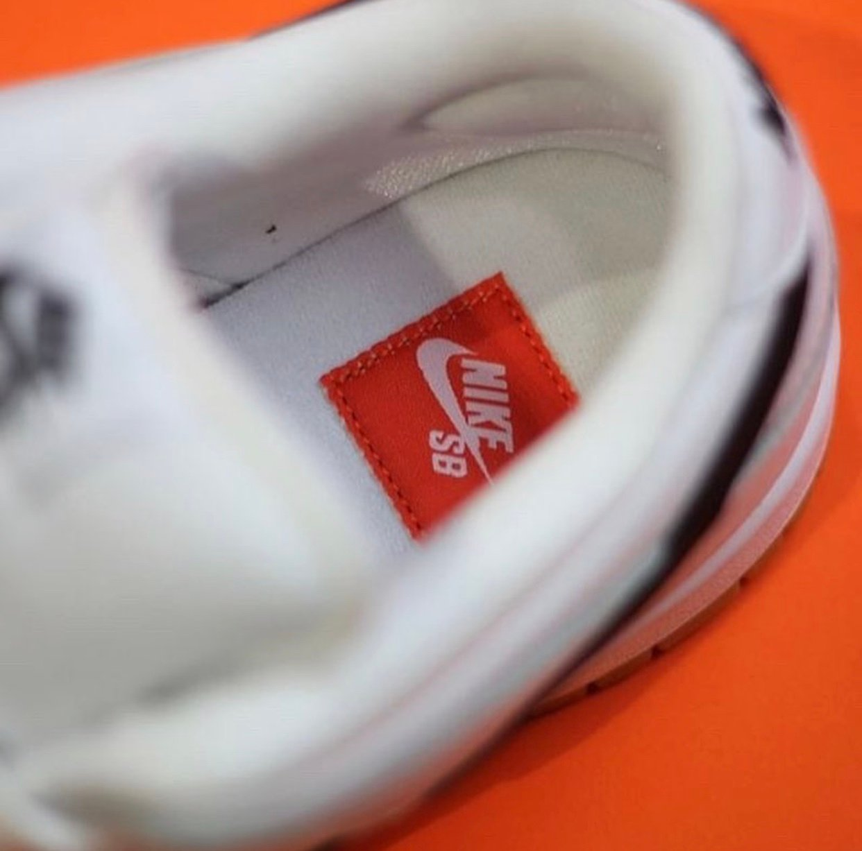 Nike SB Dunk Low Orange Label White Gum Release Info