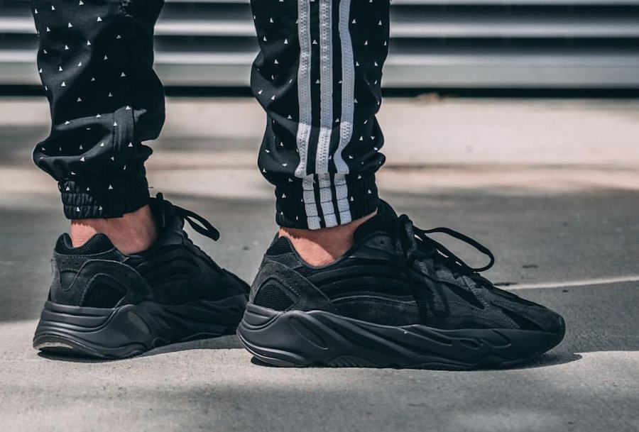 sports shoes 3969a 0b207 adidas Yeezy Boost 700 V2 Vanta FU6684 Release Date ...