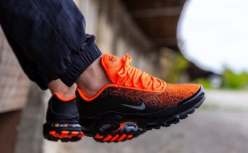 Nike Air Max Plus Black Hyper Crimson CI7701-001 Release Info
