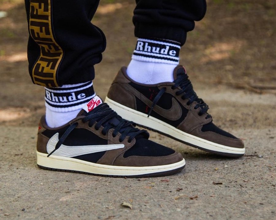 official photos d5811 4117d Travis Scott Air Jordan 1 Low Dark Mocha CQ4277-001 Release ...