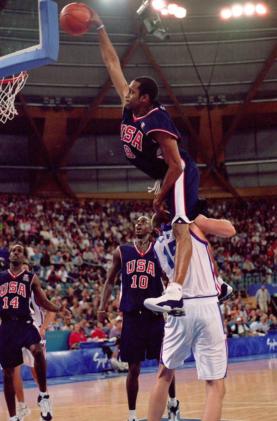 Vince Carter Nike Shox BB4 2000 Sydney Olympics Dunk Frederic Weis