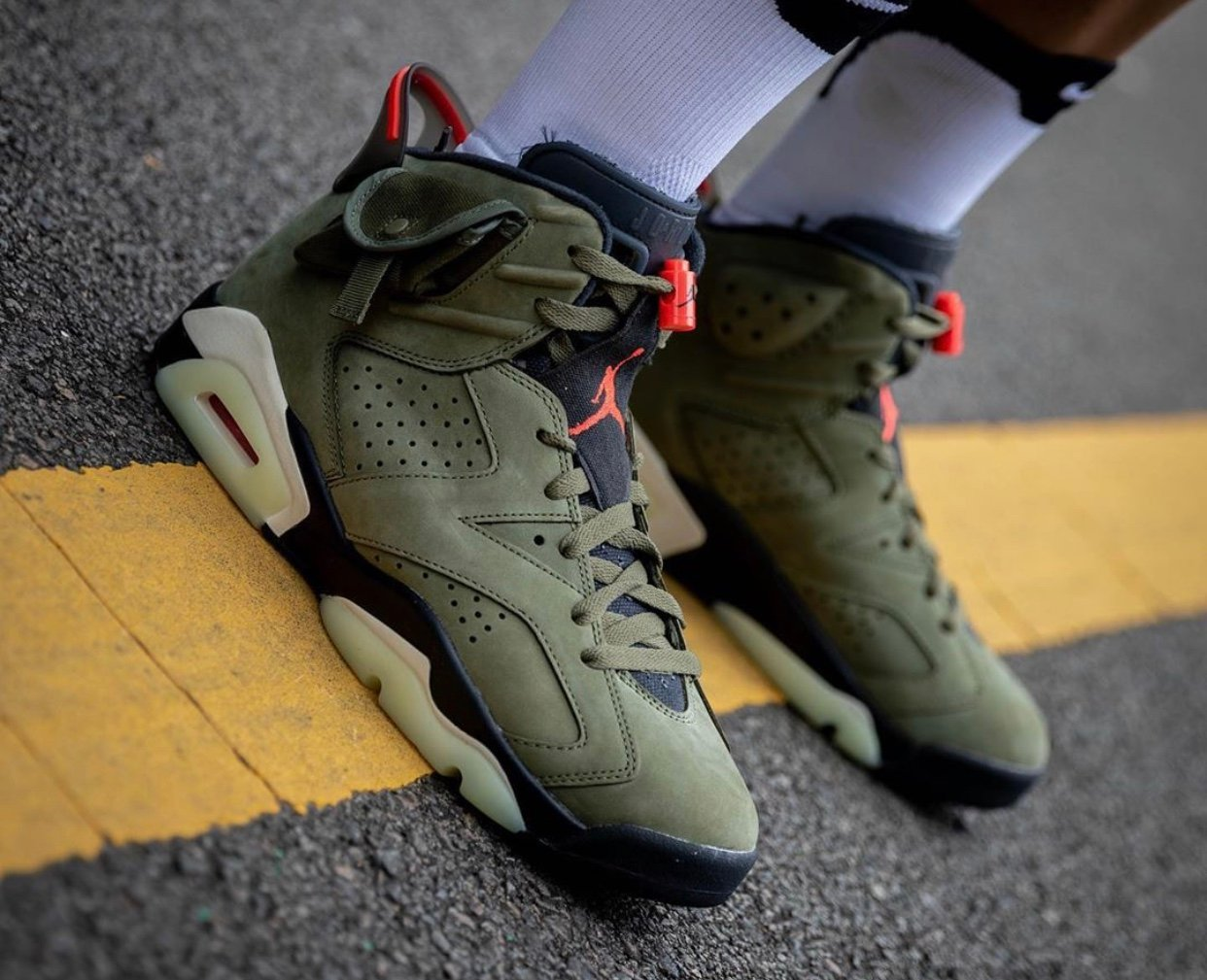 new style ddba5 82563 Travis Scott Air Jordan 6 Medium Olive CN1084-200 Release ...