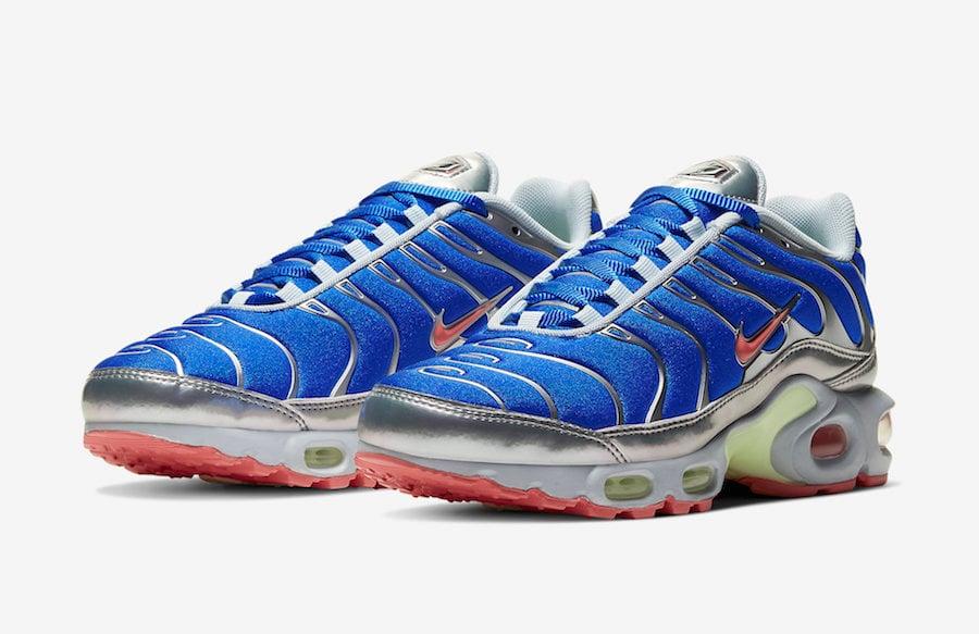 https://www.sneakerfiles.com/wp-content/uploads/2020/01/nike-air-max-plus-blue-metallic-silver-cu4819-400-release-date-info.jpg