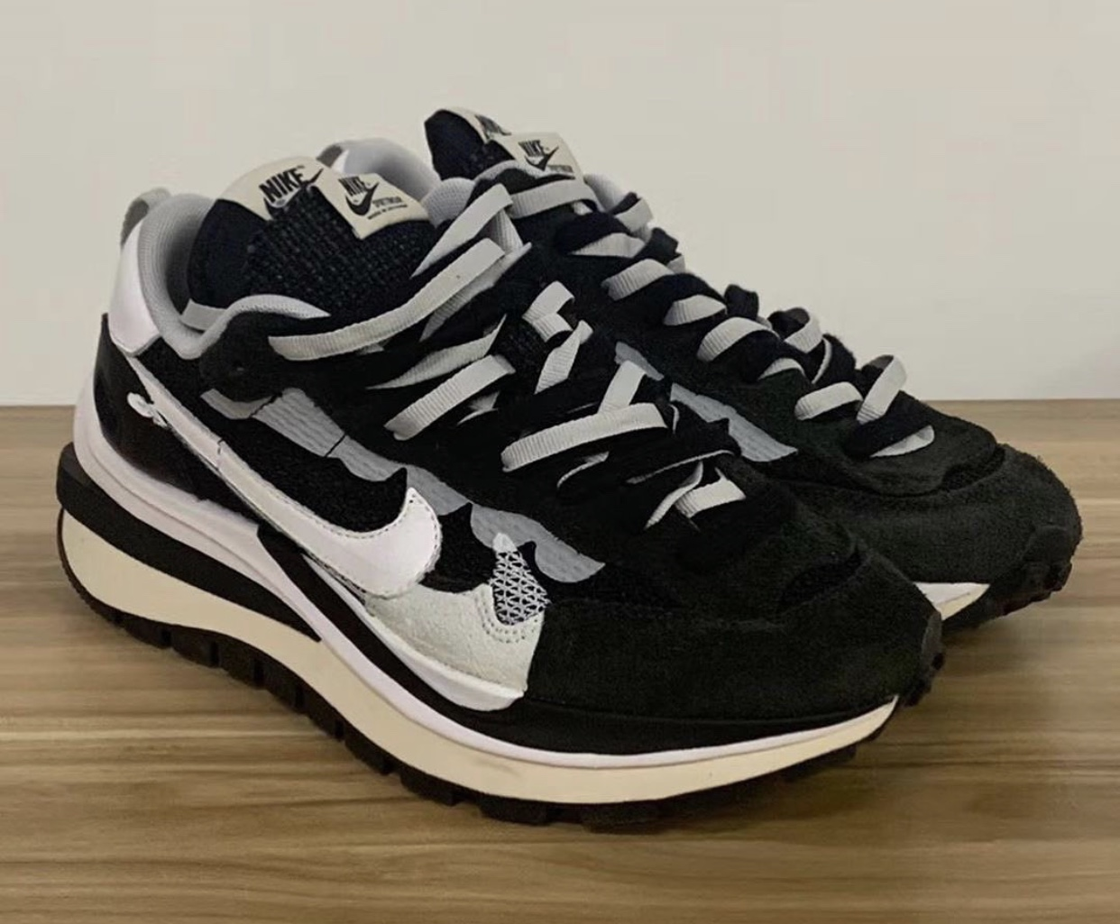 Sacai Nike VaporWaffle Black White Platinum CV1363-001 Release Date