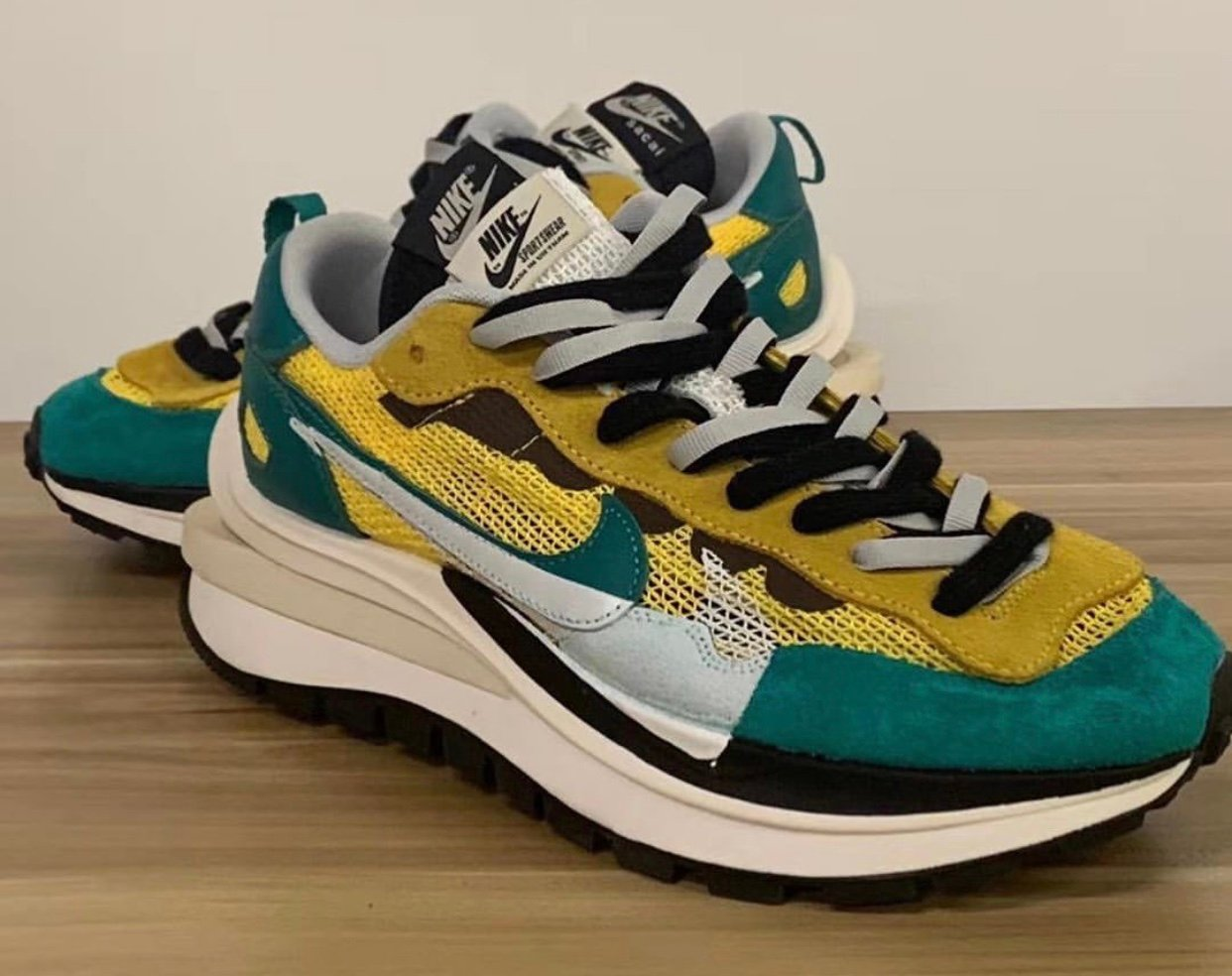 Sacai Nike VaporWaffle Tour Yellow Stadium Green CV1363-700 Release Date