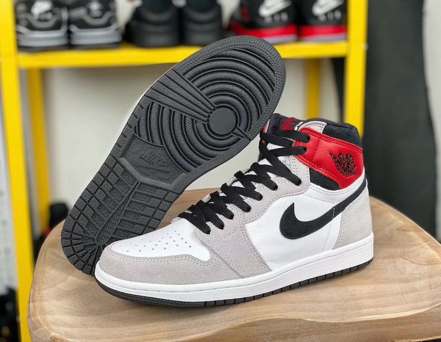 Air Jordan 1 Light Smoke Grey 555088-126 Release