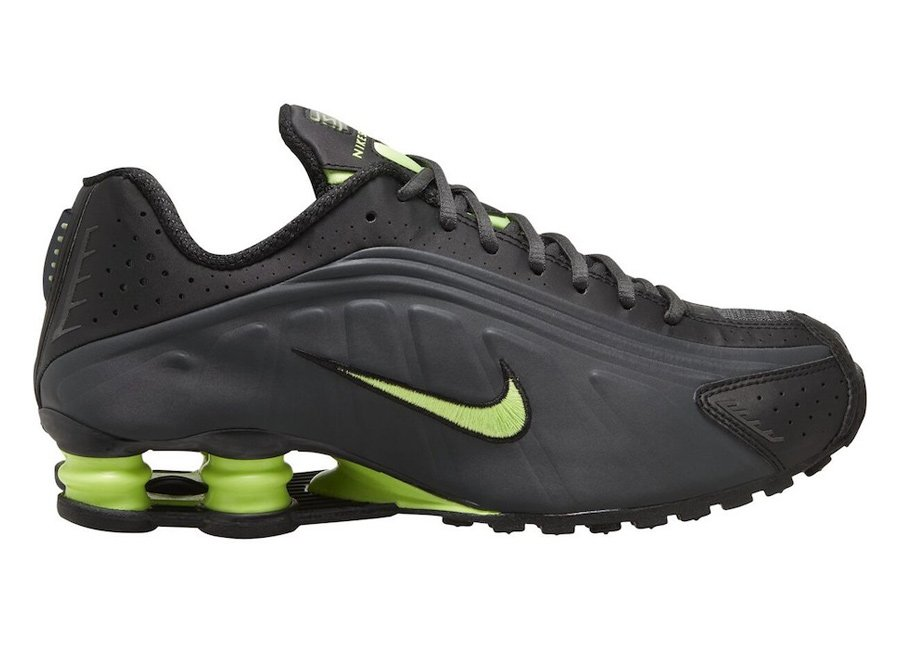Nike Shox R4 Anthracite Ghost Green 104265-055