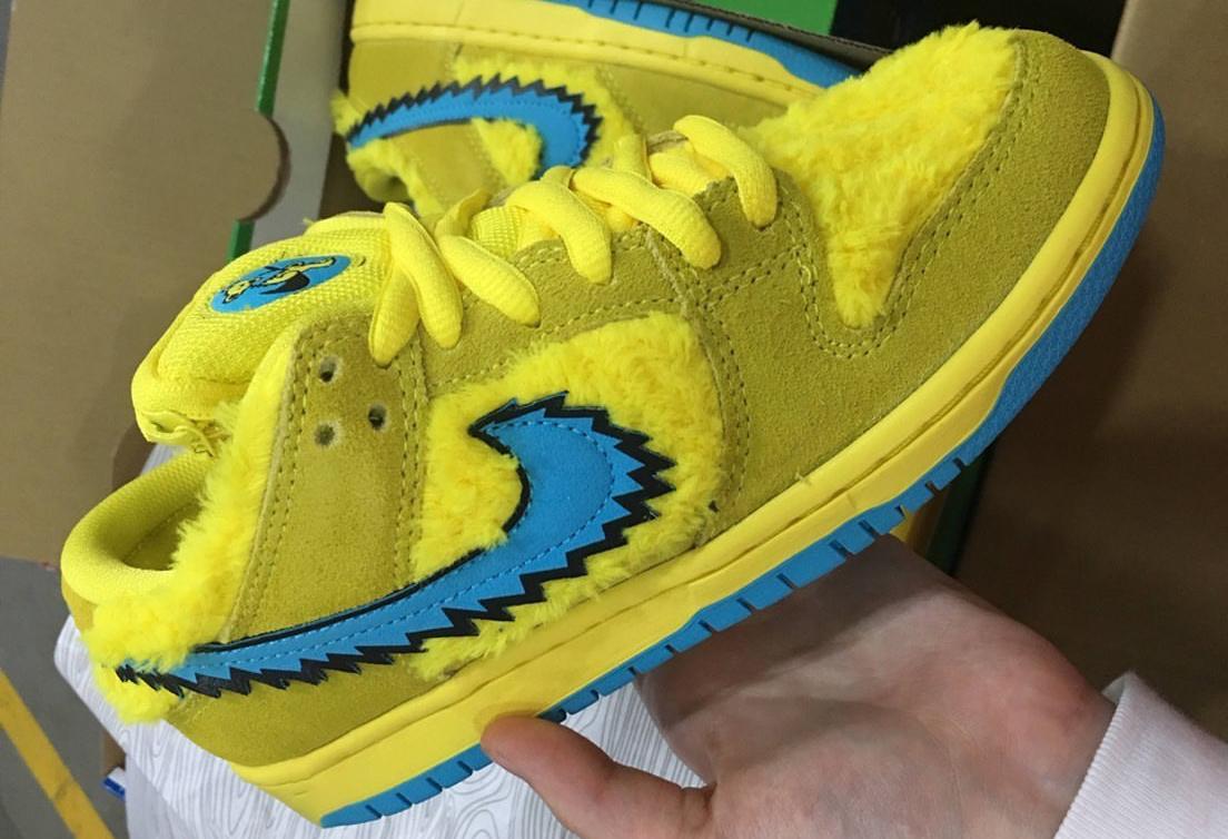 Grateful Dead Nike SB Dunk Low Yellow Bear CJ5378-700