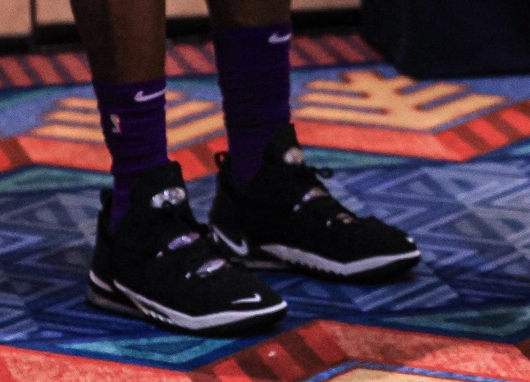 LeBron James Nike LeBron 18 Orlando