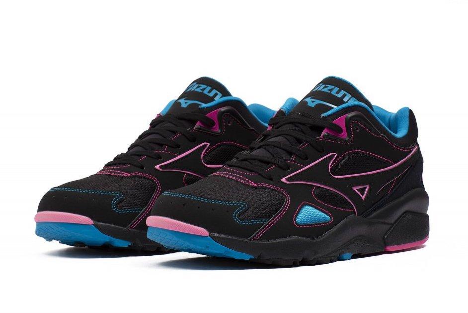 Mizuno Sky Medal Black Pink Blue Release Date Info