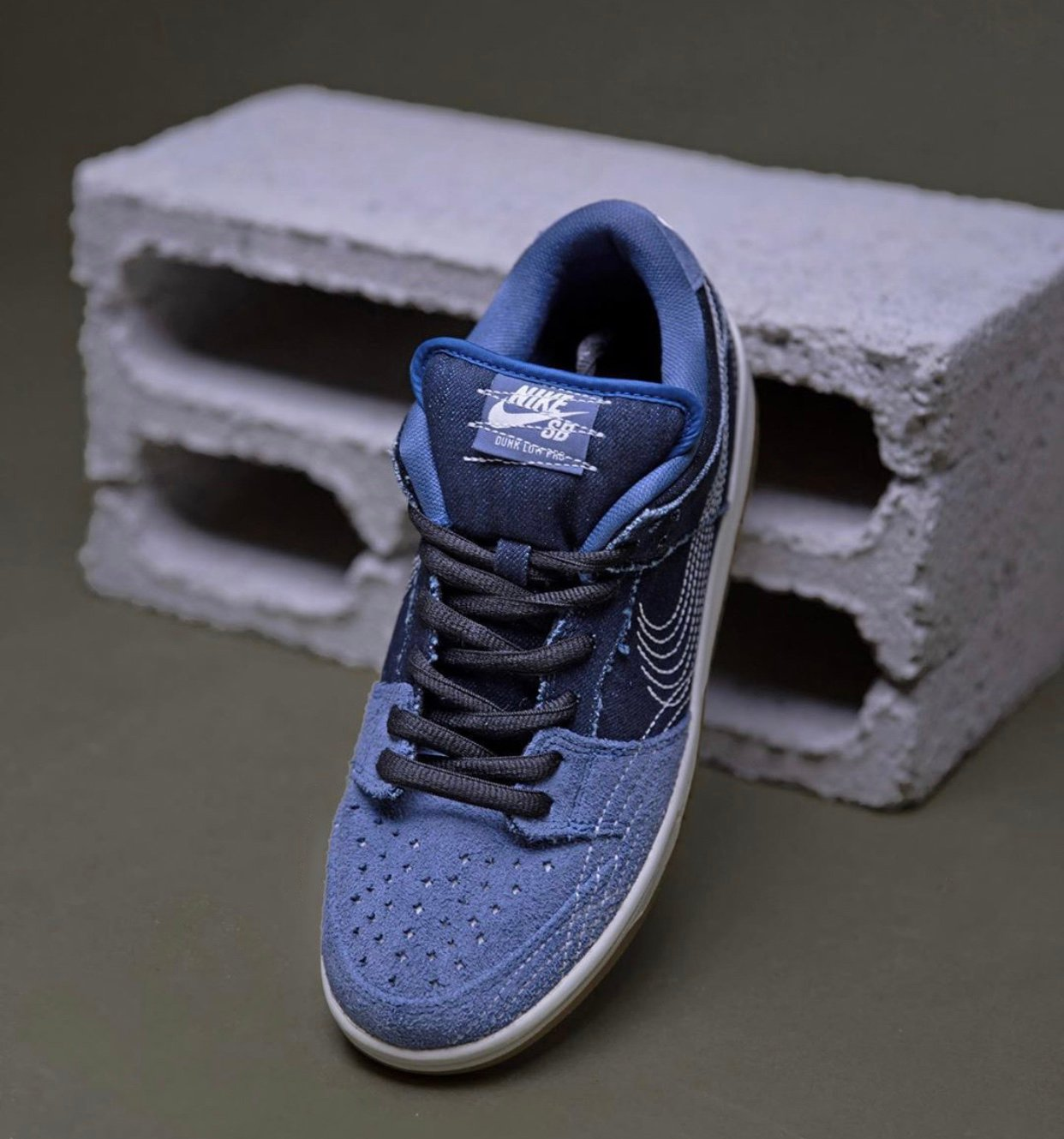 Nike SB Dunk Low Denim Gum CV0316-400 Release Date