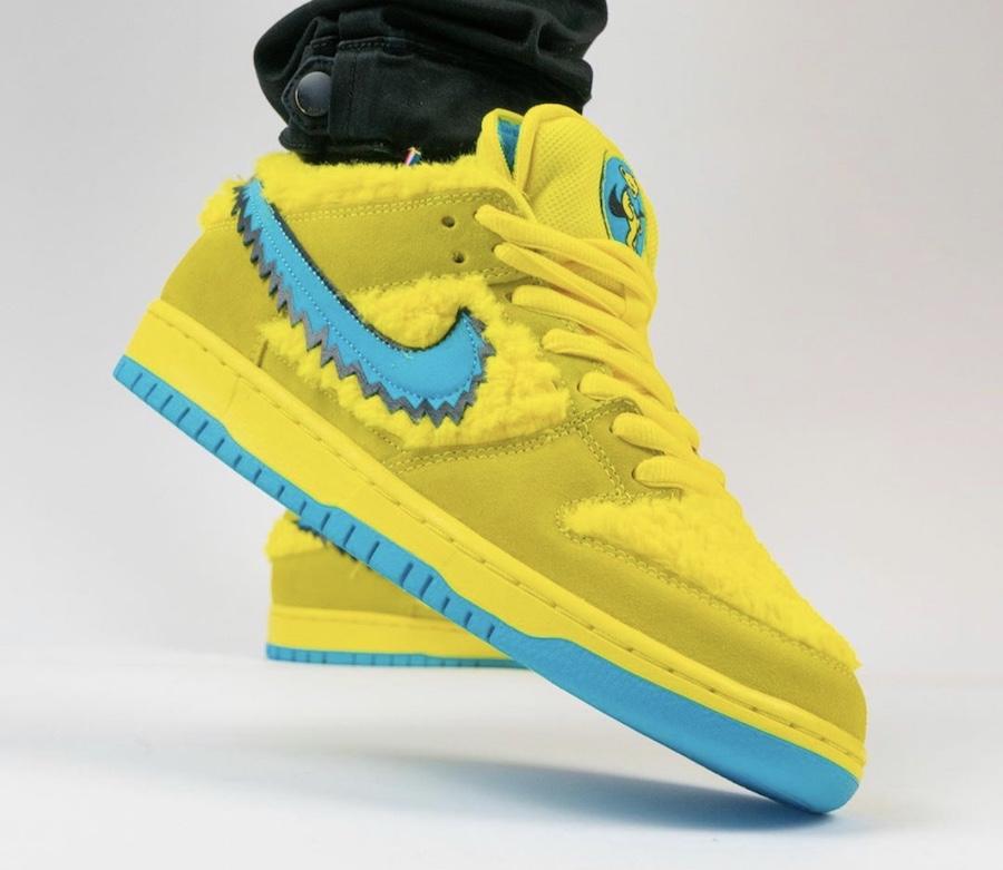 Grateful Dead Nike SB Dunk Low Yellow Bear CJ5378-700 On Feet