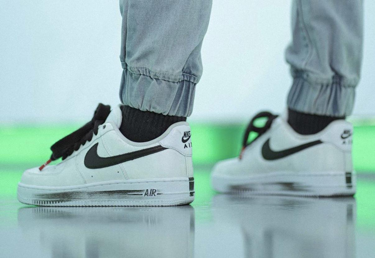 PEACEMINUSONE Nike Air Force 1 White DD3223-100 On Feet