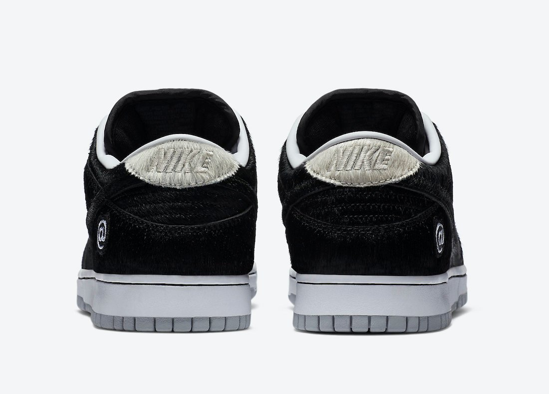 Medicom Toy Nike SB Dunk Low Bearbrick CZ5127-001