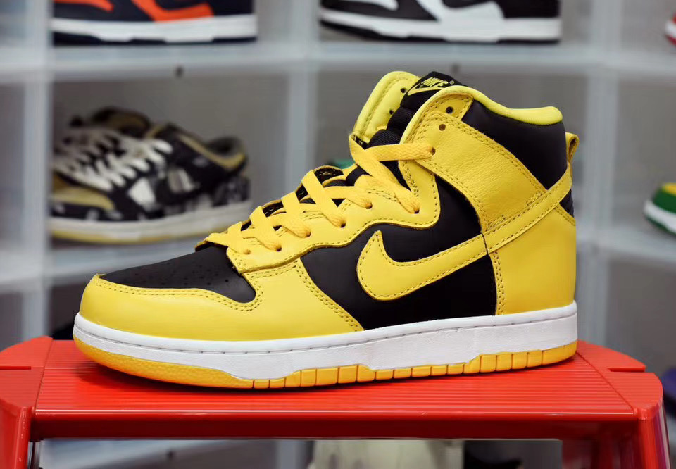 Nike Dunk High Black Varsity Maize CZ8149-002 Release Info