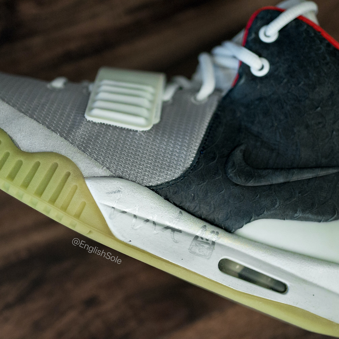 Nike Air Yeezy 2 Mismatch Sample