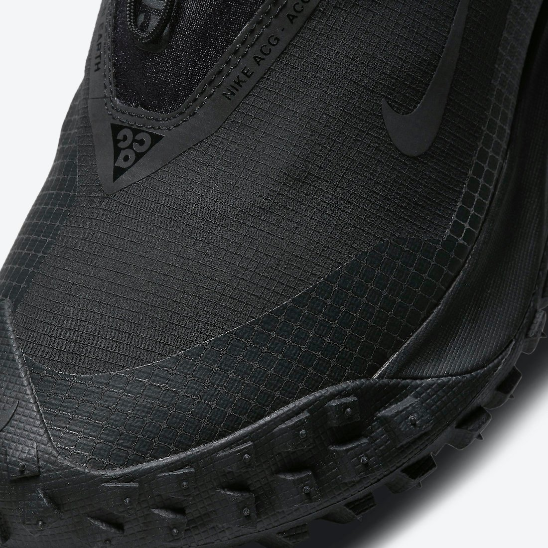 Nike ACG Mountain Fly GORE-TEX Dark Grey CT2904-002 Release Date Info