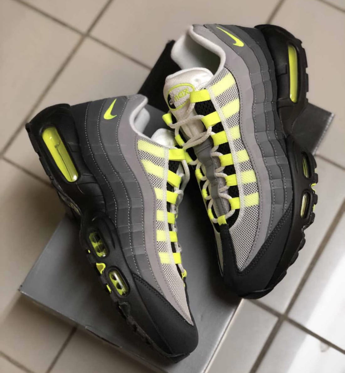 Nike Air Max 95 Neon CT1689-001 Release Info