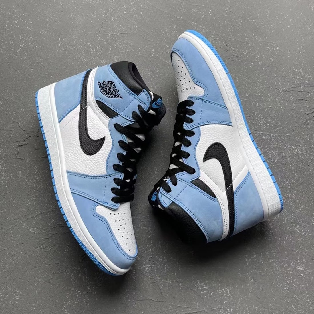 Air Jordan 1 High OG University Blue 555088-134 Release Info
