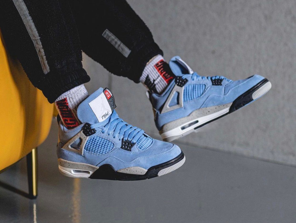Air Jordan 4 University Blue CT8527-400 On-Feet