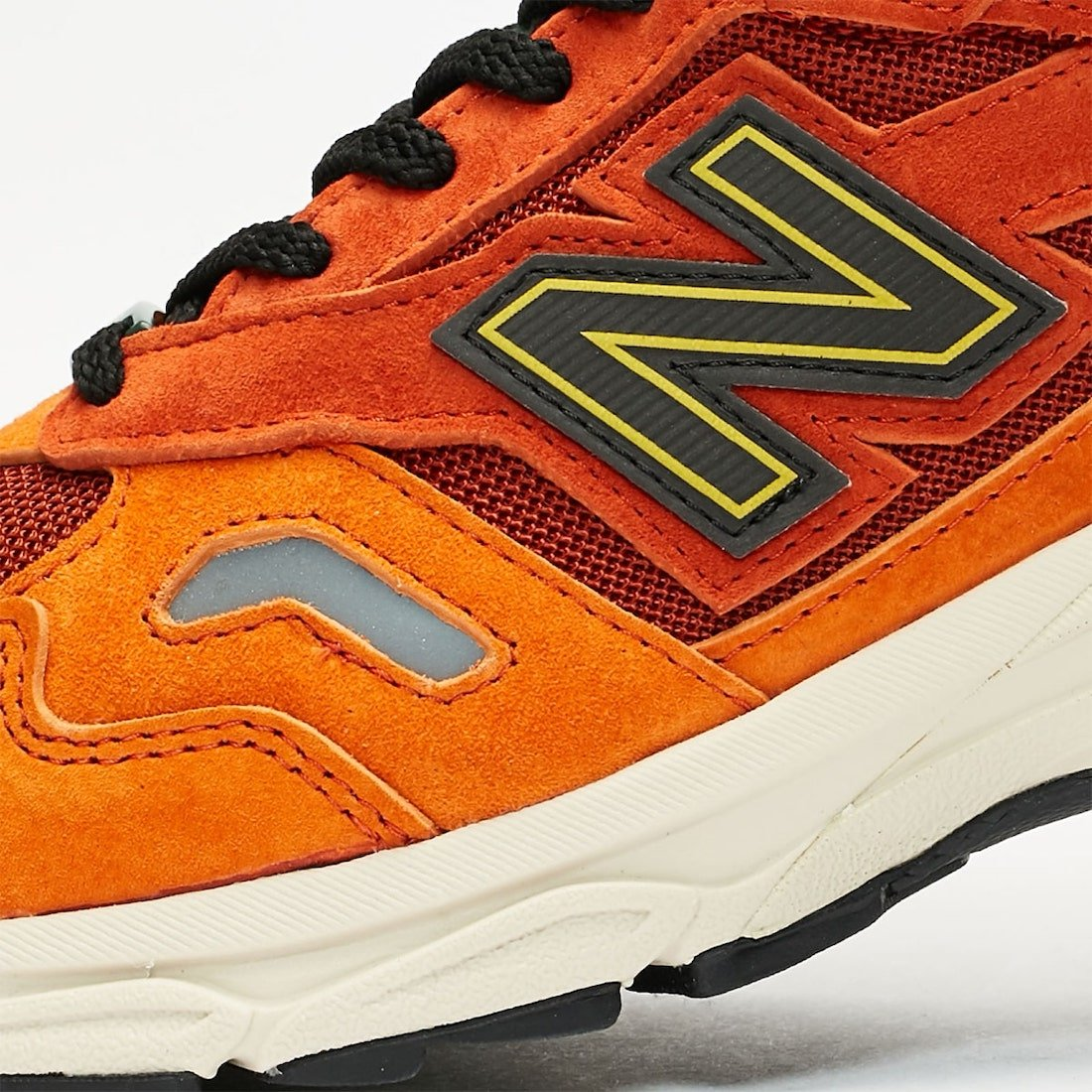SNS x New Balance 920 Release Date
