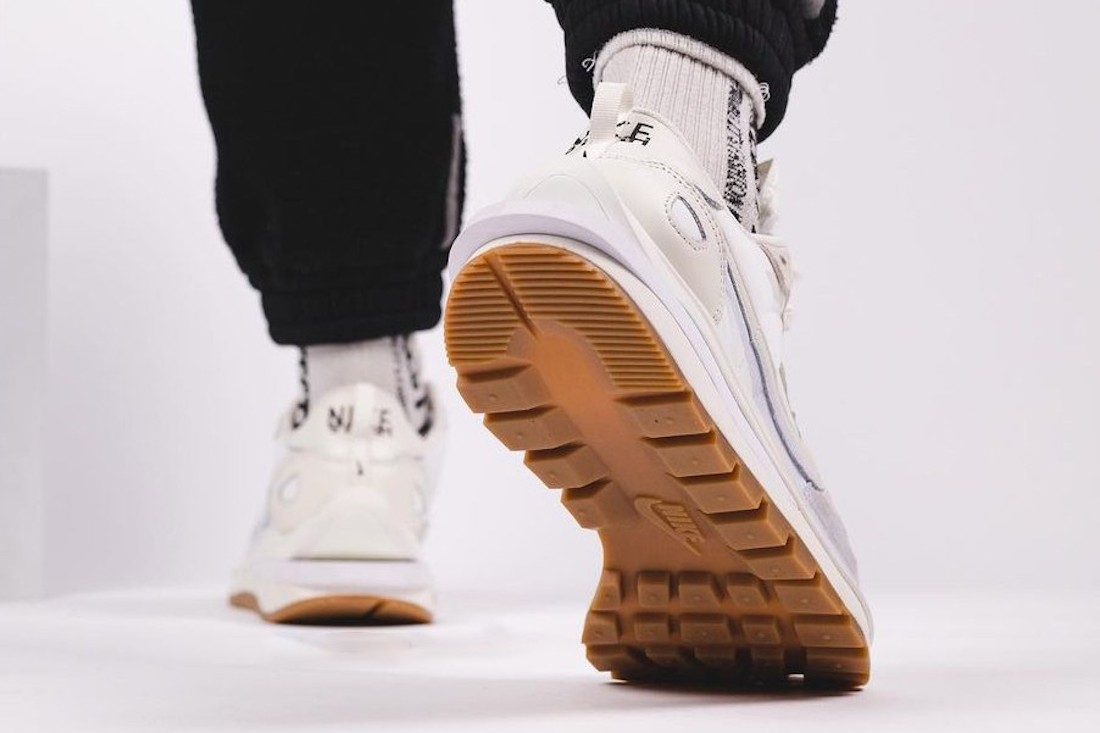 Sacai Nike VaporWaffle Sail DD1875-100 Release Info