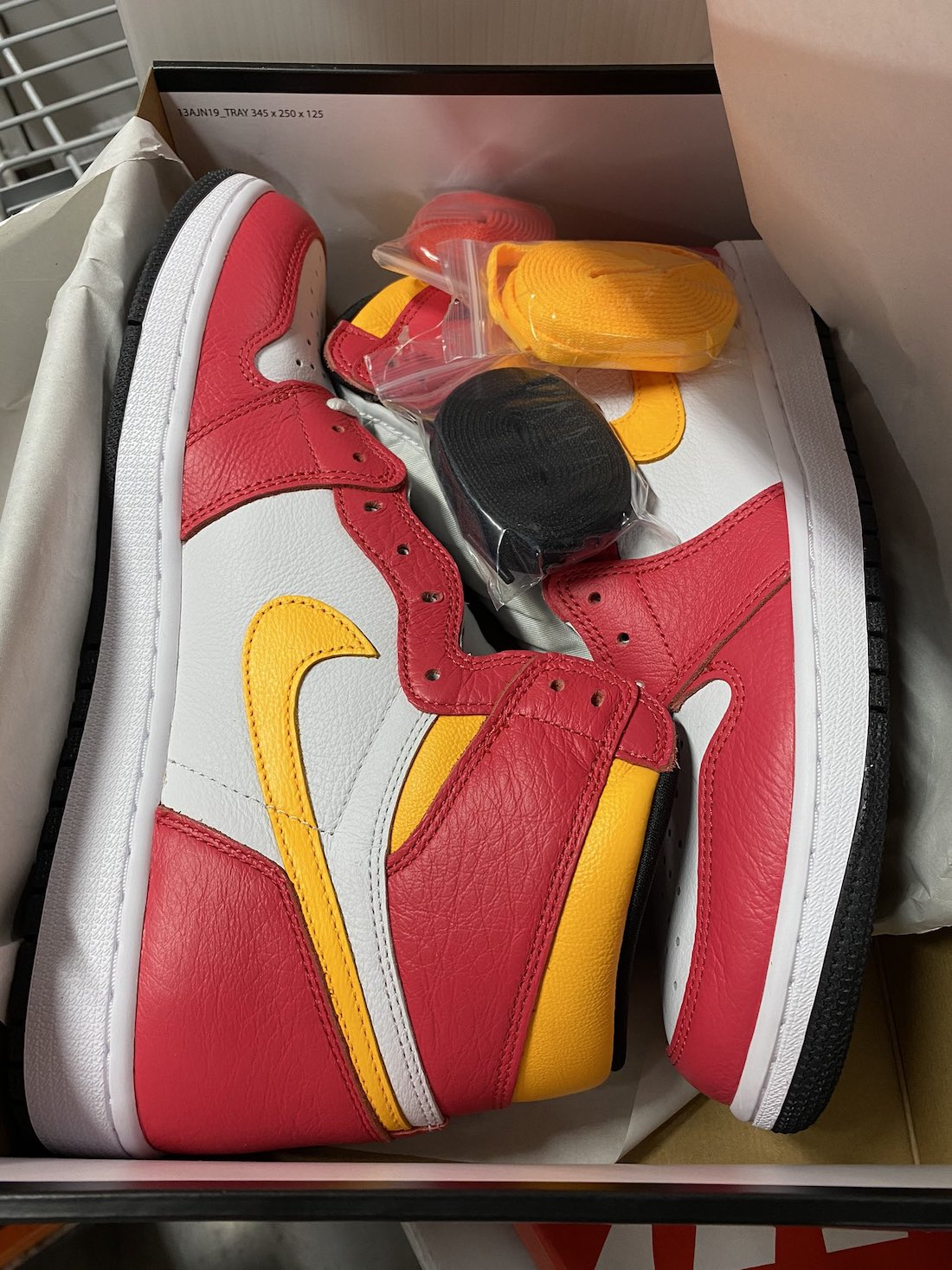 Air Jordan 1 Faded Light Fusion Red 555088-603 Release Date