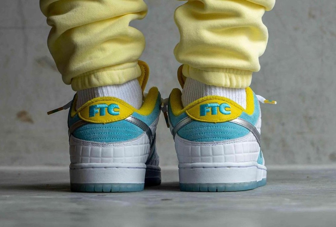 FTC Nike SB Dunk Low DH7687-400 2021 On-Feet