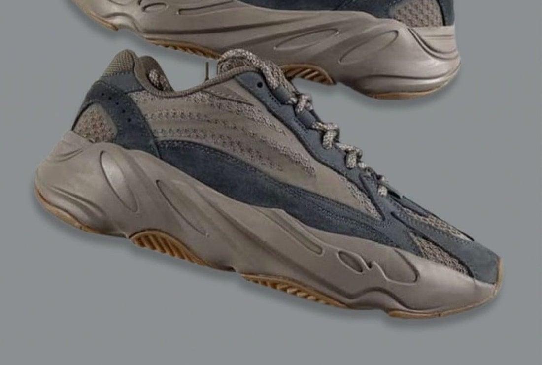 adidas Yeezy Boost 700 V2 Mauve
